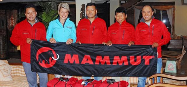 Besuch in Nepal und Koordination der Hilfsgüter