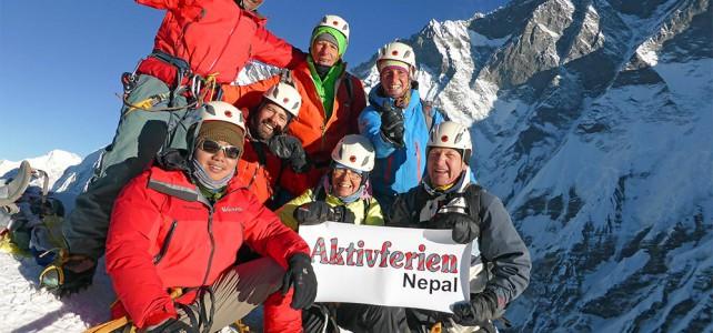 """""""Goldener Everest""""  oder  """"die letzten Sonnenstrahlen an der Spitze des höchsten Berges der Welt"""" – Gokyo Everest Trekking"""