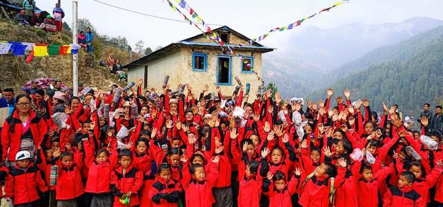 Hilfsgüter werden nach Nepal gebracht