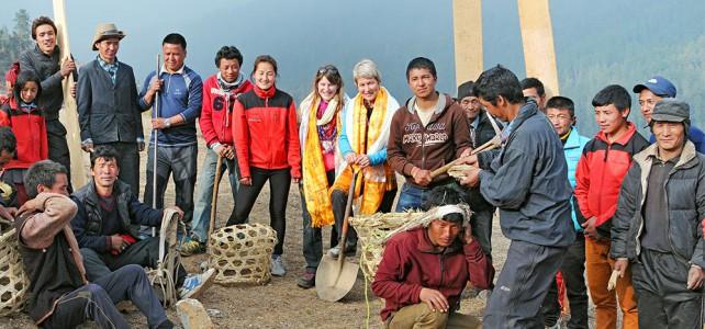 Spatenstich für Sherpa Schule