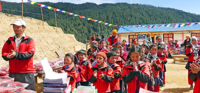 Eröffnung Schulhaus in Tapting