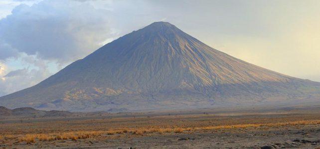 Eine Wanderung auf den Ol Doinyo Lengai und zu den Massai